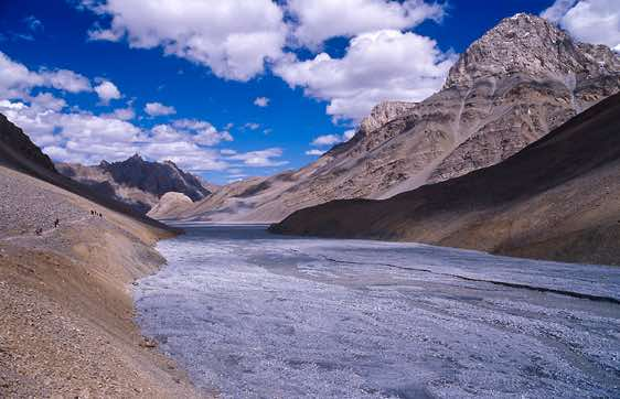 The wide valley of the Pare Chu river, Spiti to Ladakh Trek