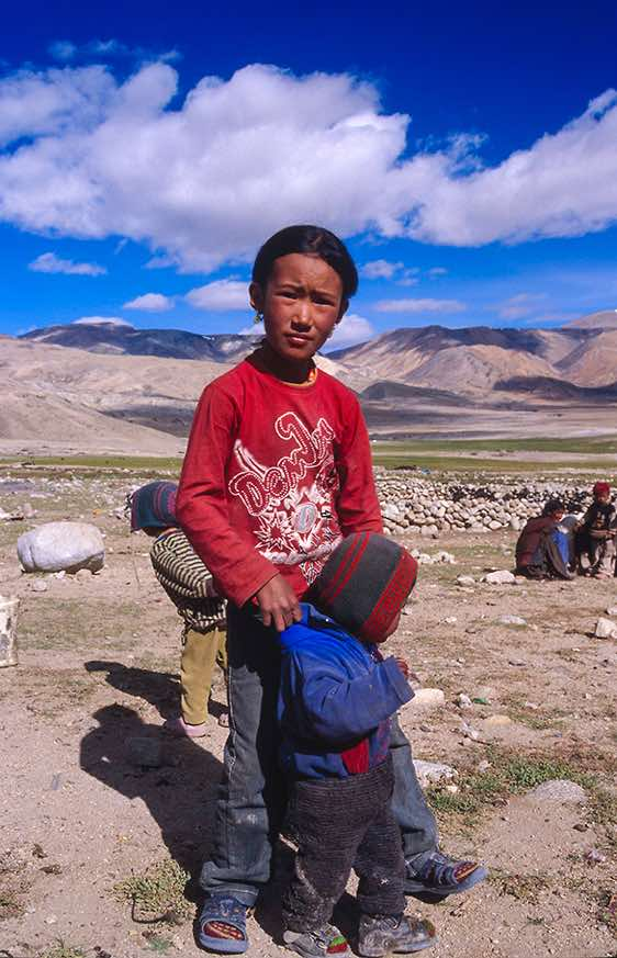 Nomad girl near Karzok, Rupshu region, Ladakh, Indian Himalaya